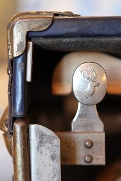 chambre bleue : detail malle XIXeme – Séjour chambre d'hôtes