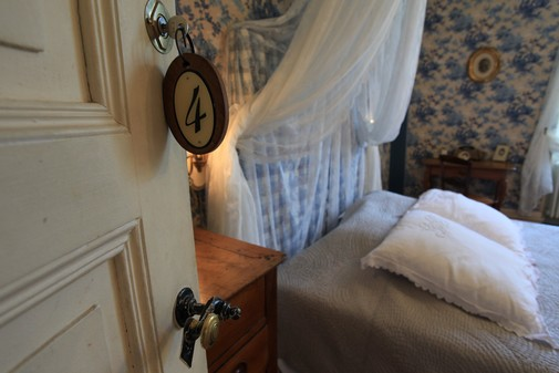 chambre bleue : détail – Séjour chambre d'hôtes