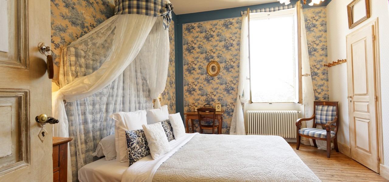 chambre romantique dans un chateau sud de france