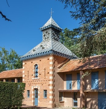 Domaine du Buc – Gite du pigeonnier – coté jardin-4