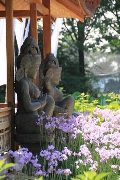 temple-jardins-martels-statues-3