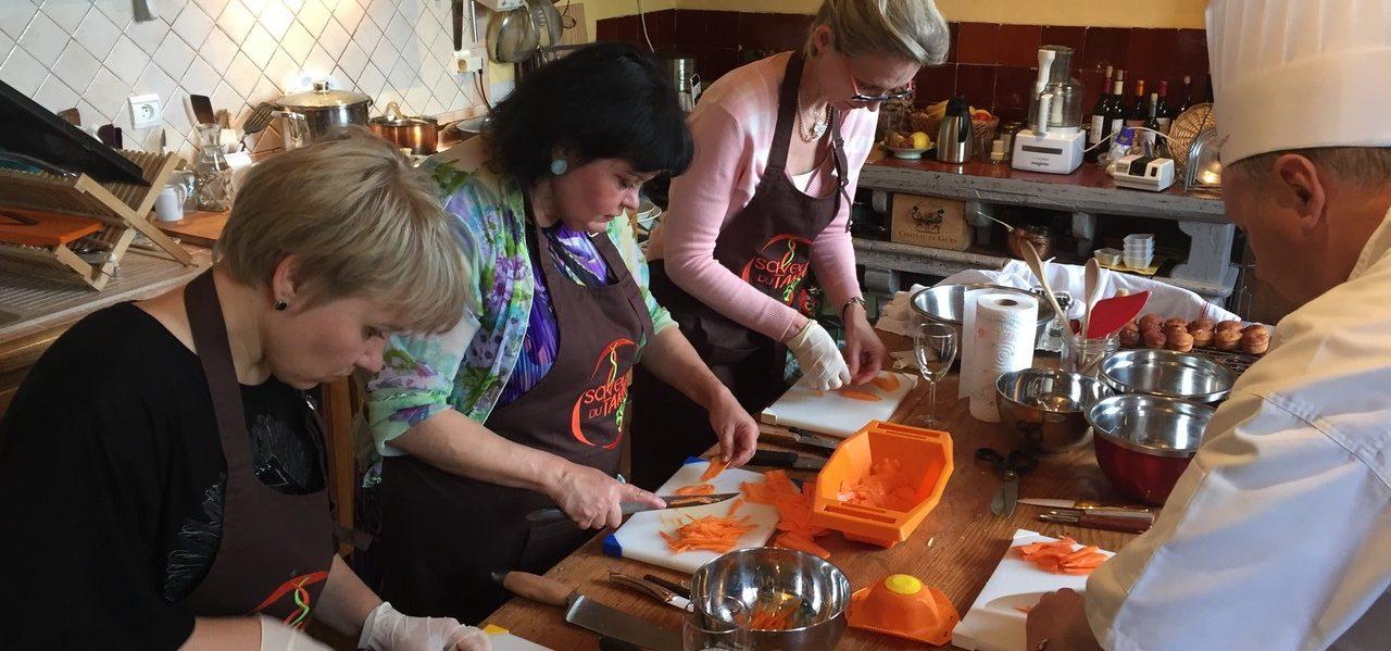 cours de cuisine gastronomique dans un chateau de famille du sud ouest