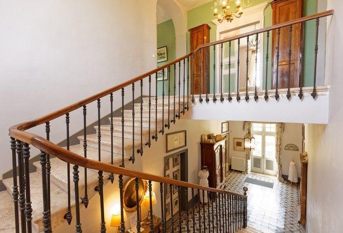 Cage-escalier-Domaine-du-Buc-2