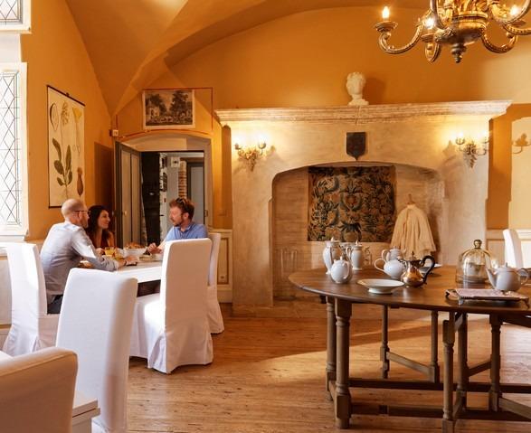 Salle-à-manger-Domaine-du-Buc-reveillon1