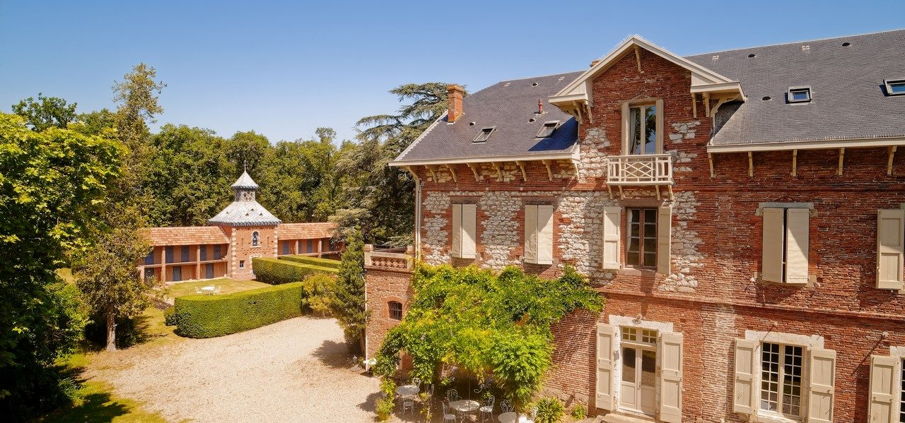 chateau de famille proximite de toulouse , chambres d hotes et gite de prestige