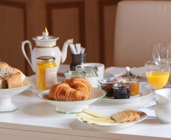 petit-dejeuner-domaine-du-buc