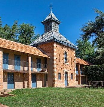 Domaine du Buc – Gite du pigeonnier coté jardin4
